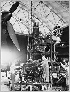 Handley Page Halifax, Maximum Effort, Royal Air Force, Commonwealth, Caption, Ww2, Planes, Aircraft, Photographs