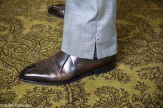 The Parisian Gentleman - Hugo Jacomet Suit Fashion, Fashion Pants, Mens Fashion, Modern Fashion, High Fashion, Costume Africain, Men Dress, Dress Shoes, Bespoke Clothing