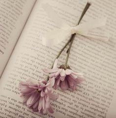 Mementos ~ Flower Floral Heart ~ Table Top Frame ~ Vintage ~ Metal