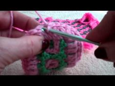 A tutorial demonstrating how to add a gumdrop edging to your project. For additional information go to www.InterlockingCrochet.com.