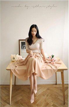 Korean Fashion – How to Dress up Korean Style – Designer Fashion Tips Korean Fashion Online, Korean Fashion Casual, Korean Fashion Trends, Korean Street Fashion, Korean Outfits, Asian Fashion, Girl Fashion, Fashion Outfits, Womens Fashion