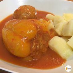Töltött paprika Pork, Meat, Chicken, Ethnic Recipes, Kale Stir Fry, Cubs, Pork Chops