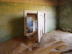 Le sable a repris ses droits sur le village de Kolmanskop