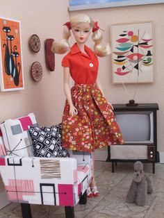 "Cherry Pie Barbie wearing vintage ""Country Fair"" skirt with a red blouse. Vintage Barbie Kleidung, Vintage Barbie Clothes, Vintage Paper Dolls, Barbie Diorama, Modern Dollhouse, Dollhouse Dolls, Victorian Dollhouse, Barbie Room, Doll Display"