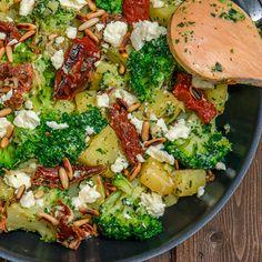 Potato and broccoli pan with feta cheese always hungry potato al horno asadas fritas recetas diet diet plan diet recipes recipes Healthy Potato Recipes, Vegetable Recipes, Healthy Snacks, Vegetarian Recipes, Italian Soup, Italian Dishes, Italian Recipes, Salmon Recipes, Pork Recipes