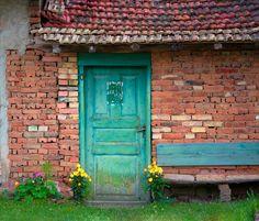 https://flic.kr/p/z1xPZJ   The Old Door