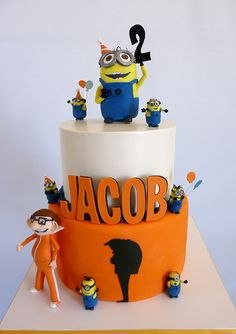 despicable me inspired birthday cake @Lauren Davison Davison - this is calling your name :D