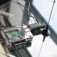 PiAware - Raspberry Pi with ADS-B receiver and antenna