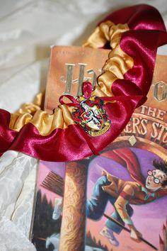 Harry Potter garter! O. M. G.