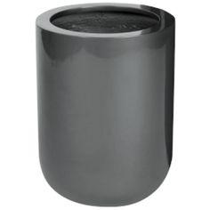 Bloempot Mexico 44 cm VTW Verkrijgbaar in 3 kleuren en in 2 maten. De schitterende glanslaag ontstaat door bewerking met meerdere lagen verf. Deze glanslaag geeft de potten een zeer exclusieve en trendy uitstraling. Het gebruikte materiaal is Fiberstone (mengsel van polyester, gemalen graniet en fiberglas), dit maakt de pot supersterk en niet zwaar, maar zorgt wel voor een natuurlijke uitstraling en vorstbestendig. De gehele fiberstone-collectie is zowel voor binnens-als buitenhuis gesch...