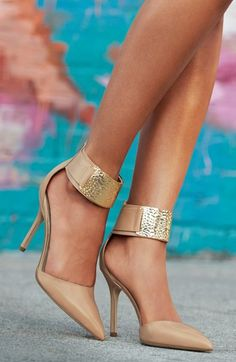 Gorgeous pumps! http://rstyle.me/n/iuxavnyg6