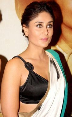 Bollywood Movie Actress Kareena Kapoor Looking Gorgeous in White Colour Saree Photos. This Plain White Colour Saree with Green Border and. Bollywood Actress Hot Photos, Indian Bollywood Actress, Beautiful Bollywood Actress, Indian Actresses, Actress Pics, Bollywood Saree, Kareena Kapoor Saree, Kareena Kapoor Photos, Priyanka Chopra