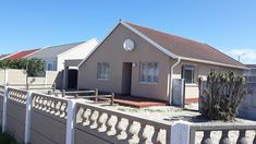 3 bedroom corner house for sale in Strandfontein on large plot ( ideal to develop and renovate) 3 large bedrooms large lounge fitted Bedroom Corner, Large Bedroom, Rental Property, Property For Sale, Built In Cupboards, Vacant Land, Corner House, Real Estate Agency, Maine House