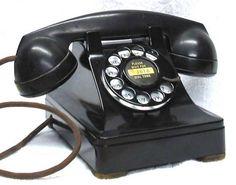 1950 Bakelite phone