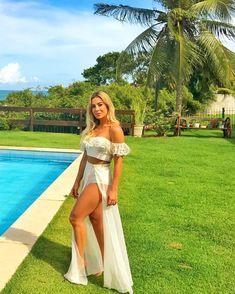 """2,201 curtidas, 35 comentários - Priscilla Silva ♡ (@priscillambs) no Instagram: """"Desejo de verão ☀️ Bom diaaa ✨✨✨"""" Cruise Outfits, Vacation Outfits, Summer Outfits, Beach Dresses, Cute Dresses, Beautiful Dresses, Prom Dresses, Summer Dresses, Tropical Outfit"""