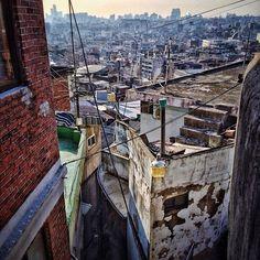 sarafa / #20140114 #iphone5s #seoul #huamdong #landscape #alley #hill #ascent #city #서울 #후암동 #snapseed / 서울 용산 후암 / #골목 #비탈 동네 / 2014 01 14 /
