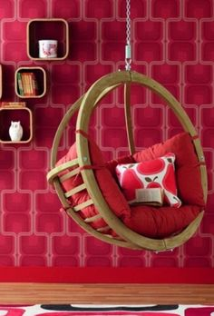 6 Enchanting Hanging Bubble Chairs for Kids: Globo Chair