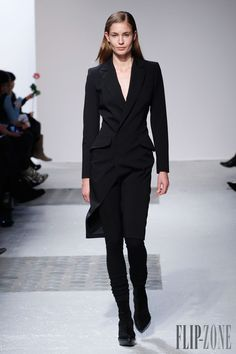 Barbara Bui Automne-hiver 2014-2015 - Prêt-à-porter - http://www.flip-zone.com:8080/fashion/ready-to-wear/fashion-houses-42/barbara-bui-4614 - ©PixelFormula