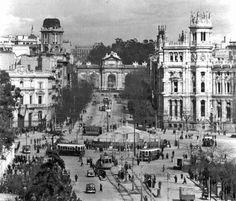 Fotografía antigua (del resto de España) La Cibeles cubierta durante la guerra civil