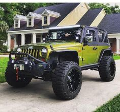 JEEP JK 2 DOOR with big tires, lots of accessories; this is what i need.