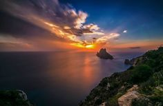Stunning Es Vedrá sunset, photo by Eduardo Rojas #EsVedra #ibizasunset