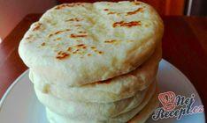 Extra rychlé česnekové placky plněné sýrem, perfektní jako náhrada pečiva na grilovačku! | NejRecept.cz Breakfast Platter, Breakfast For A Crowd, Breakfast Items, Nutella Pancakes, Pumpkin Pancakes, How To Make Pancakes, Pancakes Easy, Cottage Cheese Pancakes, Best Pancake Recipe