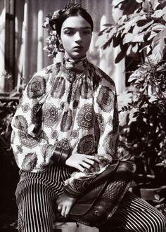 Lila Indigo: Fashion inspiration: Frida Kahlo