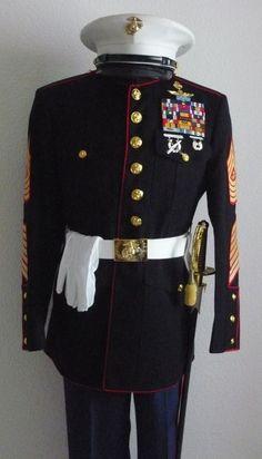 USMC Marine Corps Dress Blues, Usmc Dress Blues, Us Marine Corps, Us Marines Uniform, Men In Uniform, Vintage Military Uniforms, Usmc Clothing, Navy Special Forces, Army Ranks