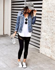 32 Trending Spring Outfits Ideas 2019 The Summer Outfit Trends You Need To Try Now Adidas Leggings Outfit, Outfits Leggins, Cute Outfits With Leggings, Jean Jacket Outfits, Denim Jacket Fashion, Casual Fall Outfits, Leggings Fashion, Outfit Winter, Jackets Fashion