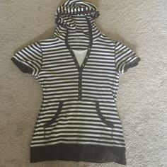Cute n stylish Sport top with Hoodie / dropped Cute stylish Sport hoodie in 100% cotton.     Very nice piece in brown n white combination perfect for summers !!!               Hardly used / almost new. Style & Co Tops Sweatshirts & Hoodies