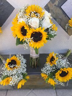 40 Sunflower Wedding Ideas for a Rustic Summer Wedding Oh The Wedding Day Is Coming - Part 2 White Roses Wedding, Rose Wedding, Summer Wedding, Wedding Day, Bouquet Wedding, Country Wedding Bouquets, Wheat Wedding, Gypsophila Wedding, Wedding Games