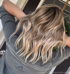 How gorgeous is this rooty balayage?! Anyone interested in seeing a blog post on this gem?! #thisismyart