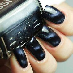 Essie ~ Snake it up  Ich glaube ich brauche unbedingt mehr magnetische Lacke.  #essie #snakeitup #essiesnakeitup #tvdessie #essieliebe