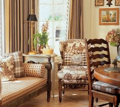 Comforteble French Country Living Room Decor Ideas - Page 30 of 32 French Country Kitchens, French Country Bedrooms, French Country Living Room, French Country Style, Rustic French, Country Farmhouse, French Decor, French Country Decorating, Dining Room Inspiration