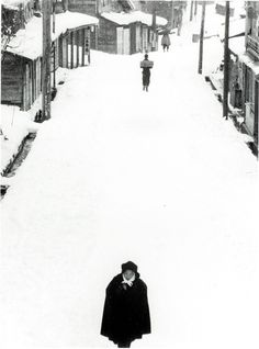 Tokamachi (a solitary woman in the snow), 1957 by Kiichi Asano