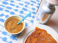 pumkin pancakes with applesauce. mmmh...