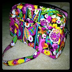 Vera Bradley makeup handbag Authentic large colorful handbag. Used but in like new condition. Vera Bradley Bags Cosmetic Bags & Cases