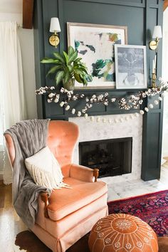 Fall living room ideas with cotton and pumpkin garlands #livingroom #fall #boho