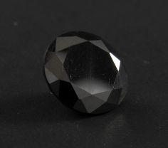 Round cut lab made black moissanite