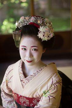 撮りたいですね。 Lovely kanzashi!!