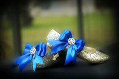 Bridal Shoe Clips. Sparkly Royal Blue / White Bow. by sofisticata