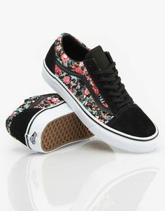 Vans Old Skool Girls Skate Shoes - Multi Floral/Black/True White Dream Shoes, Crazy Shoes, Me Too Shoes, Vans Shoes For Girls, Vans Sneakers, Sneakers Fashion, Fashion Shoes, Vans Old Skool Girl, Vans Shoes Old Skool