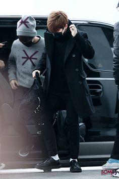 [Picture/Fansitesnap] BTS at Incheon Airport Depart To Beijing-China Jimin Jungkook, Bts Bangtan Boy, Taehyung, Bts Boys, Bts Airport, Airport Style, Airport Fashion, Dope Fashion, Korean Fashion