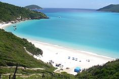 Confira 21 pousadas baratas em Arraial do Cabo. São pousadas em Arraial do Cabo no centro, nas prainhas, na praia do forno, praia Grande e praia dos Anjos.
