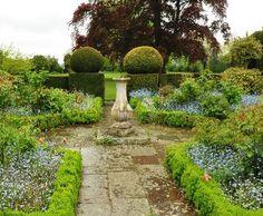 Sundial garden   Holepark gardens