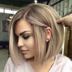 Bob Haircut For Round Face, Bob Hairstyles For Round Face, Modern Short Hairstyles, Medium Bob Hairstyles, Weave Hairstyles, Beautiful Hairstyles, Wedding Hairstyles, Black Hairstyles, Medium Style Haircuts