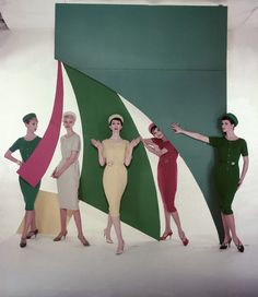 Models photographed by Horst P. Horst, 1959.