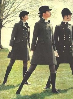 Colleen Corby Where are these coats when you need them? On-trend horsey! 60s Fashion Trends, 60s And 70s Fashion, Mod Fashion, Vintage Fashion, Fashion Stores, Gothic Fashion, Vintage Coat, Mode Vintage, Vogue