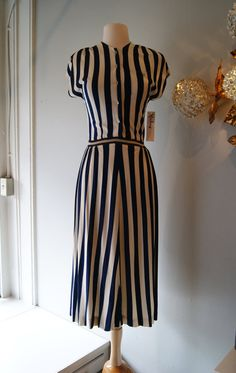 40s Dress // Vintage Dress // Vintage 1940s by xtabayvintage, $98.00