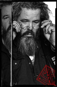 "Mark Boone Junior plays Robert ""Bobby"" Munson - Sons of Anarchy Official Website 